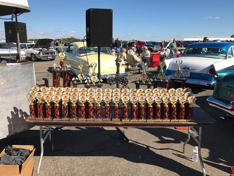 Great Pumpkin Classic Car Show Raises Funds For The Livingston - Cool car show trophies